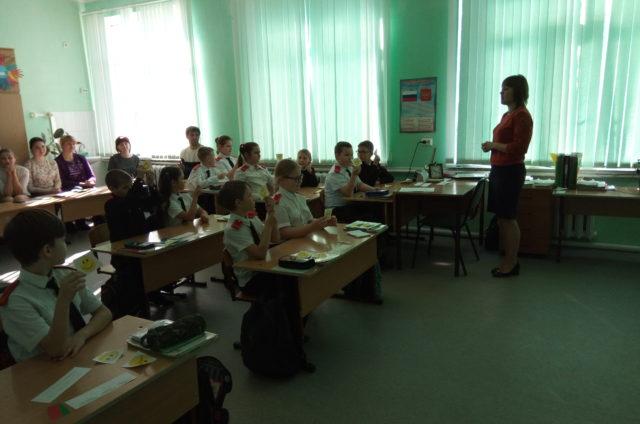 k-serdtsam-detej-otkroyut-novye-dorogi-vse-nashi-molodye-pedagogi
